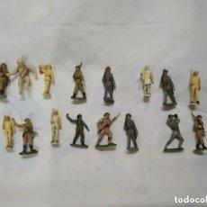 Figuras de acción: LOTE DE 20 FIGURAS DE PLÁSTICO DE LOS AÑOS 60. (SOLDADITOS, CABALLERO,ASTRONAUTA, ETC...). Lote 188604617