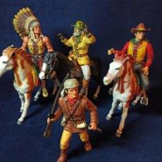 Figuras de acción: LOTE DE 4 FIGURAS Y 3 CABALOS DE PVC MACIZO WILD WEST DEL OESTE COMANSI. Lote 213503971
