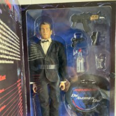 "Figuras de acción: PIERCE BROSNAN AS JAMES BOND 007 12"" FIGURE - DIE ANOTHER DAY - SIDESHOW. Lote 218260625"