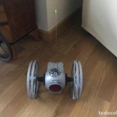 Figuras de acción: ROBOT DE JUGUETE AÑOS 80 MT-2 CON LUCES. Lote 220547773