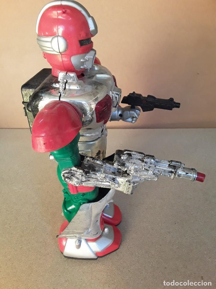 Figuras de acción: Antiguo robot commander II años 70/80 - Foto 8 - 227898101