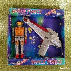 Figuras de acción: SPACE FORCE - PISTOLA Y ROBOT - RARA CAJA. Lote 229993670