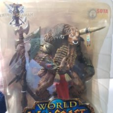 Figurines d'action: FIGURA ARTICULADA TAUREN SHAMAN-WORLD OF WARCRAFT- DE SOTA TOYS EN BLISTER. Lote 246577330