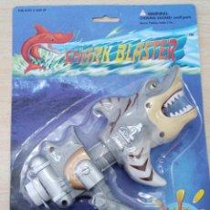 Figuras de acción: SHARK BLASTER TIBURÓN PLACO PRODUCTS CO., LOS ANGELES BLISTER NUEVO. Lote 261549195