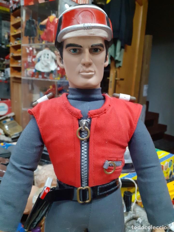 Figuras de acción: Capitán Escarlata,Spectrum.Carlton Int.1967 - 2001.39 cm de alto.Captain Scarlet and the Mysterons. - Foto 2 - 262299285