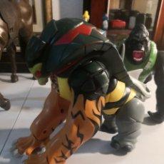 Figuras de acción: RARO MUÑECO TIPO MUTANTE ANIMAL. CABEZA SERPIENTE, CUERPO ABEJA COLA TIBURÓN GARRAS TIGRE. Lote 283106293