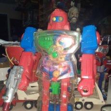 Figuras de acción: ROBOT ANDROIDE FABRICADO EN 1993 POR SOMA.RARO Y DIFÍCIL.A PILAS.FUNCIONANDO.. Lote 295926693