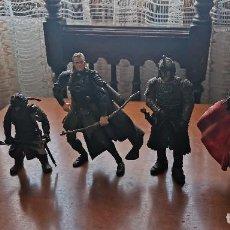 Figuras de acción: SUPER LOTE MUÑECOS FIGURAS DE ACCION CON SUS ARMAS EL SEÑOR DE LOS ANILLOS ARAGORN LEGOLAS GIMLI ... Lote 296890223