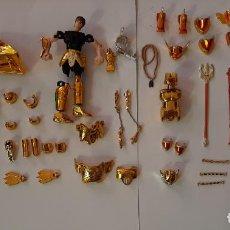 Figuas y Muñecos Caballeros del Zodiaco: CABALLEROS DEL ZODIACO SAINT SEYA, LOTE PIEZAS DOHKO DE LIBRA Y AFRODITA PISCIS, BANDAI 2001. Lote 194382651