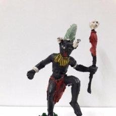 Figuras de Goma y PVC: BRUJO - HECHICERO AFRICANO NEGRO . REALIZADO POR ARCLA . AÑOS 50 EN GOMA. Lote 97236599