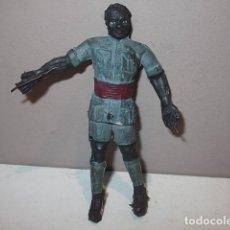 Figuras de Goma y PVC: ARCLA EXPLORADOR NEGRO EN GOMA INTERIOR ALHAMBRE VER DESCRIPCION. Lote 99394315