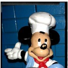 Figuras de Goma y PVC: FIGURA MICKEY COCINERO BULLYLAND. Lote 66855130