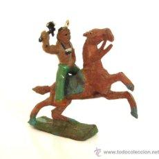 Figuras de Goma y PVC: CAPELL. INDIO HACHA + CABALLO MARRON .REF.2735. Lote 27060809