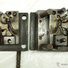Figuras de Goma y PVC: CAPELL MOLDE DE SOLDADOS, CORNETA Y DESFILANDO CON FUSIL AL HOMBRO. Lote 46606714