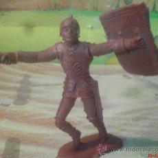 Figuras de Goma y PVC: FIGURA DE PLASTICO,-----GUERRERO MEDIEVAL 9CM. Lote 26095588
