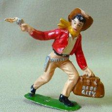 Figuras de Goma y PVC: FIGURA DE PLASTICO, VAQUERO O COW BOY, BANDIDO, FABRICADO POR COMANSI, PRIMERA EPOCA. Lote 23391729