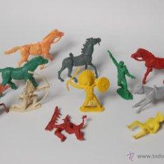 Figuras de Goma y PVC: LOTE DE CABALLOS, INDIOS Y VAQUEROS COMANSI. Lote 53098836