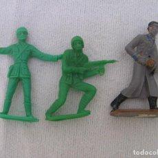 Figuras de Goma y PVC: TRES SOLDADOS DE MUNDO; UN RUSO PINTADO, UN ITALIANO Y UN ESPAÑOL. ( LOS DOS ÚLTIMOS MONOCROMOS). Lote 95437371