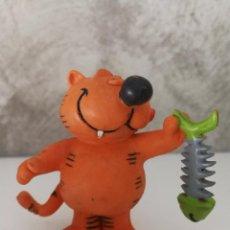 Figuras de Goma y PVC: FIGURA PVC GATO ISIDORO CON PESCADO COMICS SPAIN. Lote 87502760