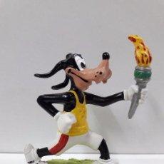 Figuras de Goma y PVC: GOOFY CON LA ANTORCHA OLIMPICA . REALIZADO POR COMICS SPAIN. Lote 94677523