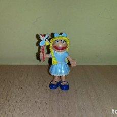 Figuras de Goma y PVC: FIGURA PVC NIÑA AURORA BETTY LOU MUPPETS JIM HENSON TELEÑECOS COMICS SPAIN. Lote 106187827