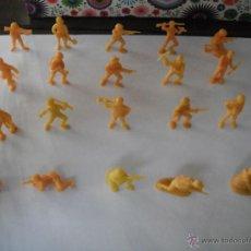 Figuras de Goma y PVC: LOTE 20 SOLDADOS JAPONESES -AMARILLO/NARANJA- DUNKIN. AÑOS 70.. Lote 45410152
