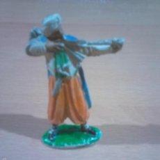 Figuras de Goma y PVC: ANTIGUO ARQUERO SARRACENO MORO GOMA JECSAN AÑOS 50 POLICROMADO - ARQUERO- VER FOTOS. Lote 60187247