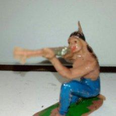 Figuras de Goma y PVC: RARO INDIO CON RIFLE APUNTANDO JESCAN. Lote 104140604
