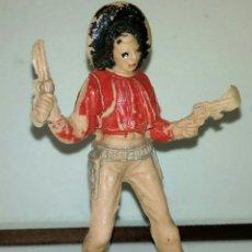 Figuras de Goma y PVC: FIGURA PLASTICO JESCAN ANTIGUA ANOS 60 VAQUERO CON PISTOLAS. Lote 104141308
