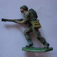 Figuras de Goma y PVC: FIGURA SOLDADO MARINE EN GOMA PECH HNOS. Lote 30719097
