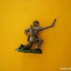 Figuras de Goma y PVC: FIGURA SOLDADO MARINE ARTILLERIA PECH. Lote 68136909
