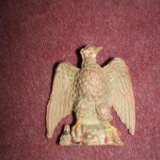 Figuras de Goma y PVC: FIGURA GOMA DURA AGUILA CON CORDERO PECH FIERAS 1950 RARA ( SIN DESCUENTO ZOO ANIMAL. Lote 69633321