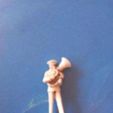 Figuras de Goma y PVC: FIGURA MÚSICO ASTER SOLDADO. Lote 88364352