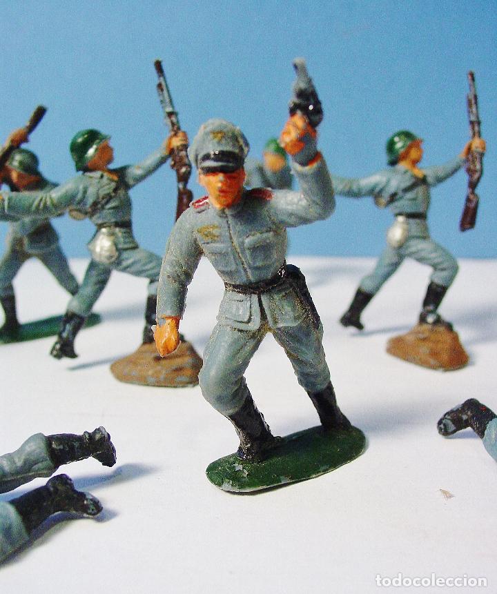 Figuras de Goma y PVC: LOTE 11 SOLDADOS ALEMANES EN ACCIÓN 2ª SEGUNDA GUERRA MUNDIAL. PECH. BUEN ESTADO - Foto 3 - 89727092