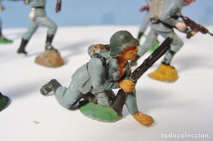 Figuras de Goma y PVC: LOTE 11 SOLDADOS ALEMANES EN ACCIÓN 2ª SEGUNDA GUERRA MUNDIAL. PECH. BUEN ESTADO - Foto 4 - 89727092