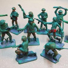 Figuras de Goma y PVC: LOTE DE 12 FIGURAS DE PLASTICO, SERIE COMPLETA JAPONESES EN COMBATE, FABRICADO POR OLIVER, 1970S. Lote 103364967
