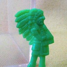 Figuras de Goma y PVC: PREMIUM PIPAS CHURRUCA, PIN DE PLASTICO, JEFE INDIO, PIPERO, REGALO, 1960S. Lote 24459603