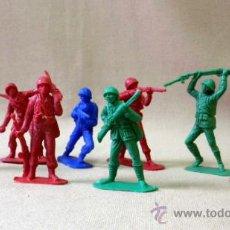 Figuras de Goma y PVC: LOTE DE 8 FIGURAS DE PLASTICO, PIPERO, FUSILADO DE JECSAN, SOLDADOS. Lote 33514533