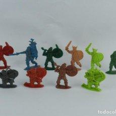Figuras de Goma y PVC: 10 GUERREROS VIKINGOS, VIKINGO FABRICADO EN PLÁSTICO, PIPERO, ORIGINAL AÑOS 60.. Lote 86259980