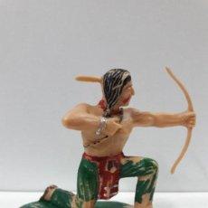 Figuras de Goma y PVC: GUERRERO INDIO . BATALLA DE LITTLE BIG HORN . FIGURA REAMSA . AÑOS 60. Lote 105929403