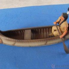 Figuras de Goma y PVC Schleich: GUERRERO SIOUX EN CANOA MARCA SCHLEICH AÑO 2005 DESCATALOGADO. Lote 49752715