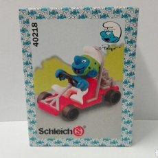 Figuras de Goma y PVC Schleich: PITUFO COCHE (EN CAJA) LOS PITUFOS SCHLEICH PEYO SMURFS BARRUFETS SUPER PITUFO. Lote 95390567