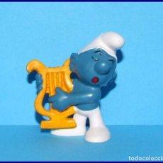 Figuras de Goma y PVC Schleich: PITUFOS ORIGINALES SCHLEICH 20070 PITUFO CON ARPA. Lote 95494467