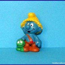 Figuras de Goma y PVC Schleich: PITUFOS SCHLEICH FIGURA 20403 PITUFO NAT CON ORUGA NATURI. Lote 98505135