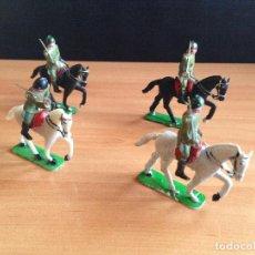 Figuras de Goma y PVC: LOTE 4 CABALLOS + SOLDADOS DESFILE MILITAR PLASTICO SOTORRES TORRES MALTAS. Lote 82487996