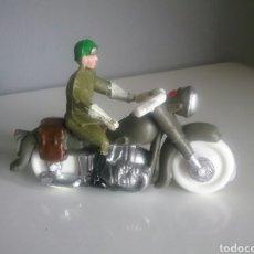 Figuras de Goma y PVC: MOTORISTA VUELTA CICLISTA, GUARDIA CIVIL EN MOTO, DE SOTORRES AÑOS '60 SIMILAR TEIXIDO, JECSAN..... Lote 98490703