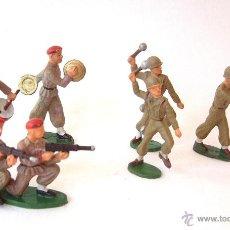 Figuras de Goma y PVC: STARLUX 7 SOLDADOS CAQUIS Y BOINA ROJA. Lote 44278363