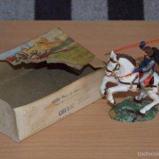 Figuras de Goma y PVC: CABALLO BLANCO STARLUX ANCIEN - BOITE 6103 - PIEU EL CAPE SUR CHEVAL CABRÉ - CHEVAL BLANC. Lote 56619292