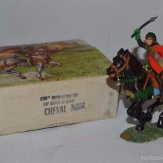 Figuras de Goma y PVC: CABALLO NEGRO STARLUX ANCIEN - BOITE 6104BIS - HACHE EL BOUCLLER SUR CHEVAL GALOP CHEVAL NOIR. Lote 56619401