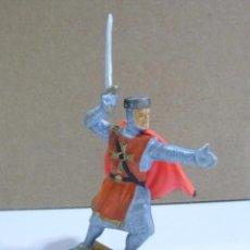 Figuras de Goma y PVC: MUÑECO DE GOMA SOLDADO MEDIEVAL MARCA STARLUX. Lote 57146467